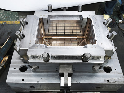 Box type injection mold